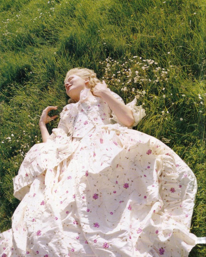 Image of Kirsten Dunst as Marie Antoinette in Sofia Coppola's movie Marie Antoinette